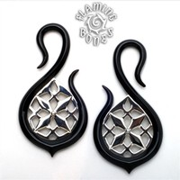 Black Water Buffalo Horn Endelfa Lattice Hooks with Silver Accents and Display Stand