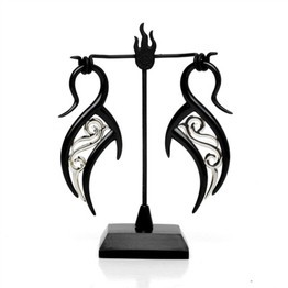 Black Water Buffalo Horn Zeta Lattice Hooks with Silver Accents and Display Stand